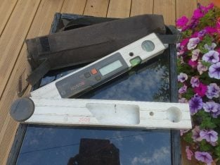 Good working condition – Bosch digital angle finder