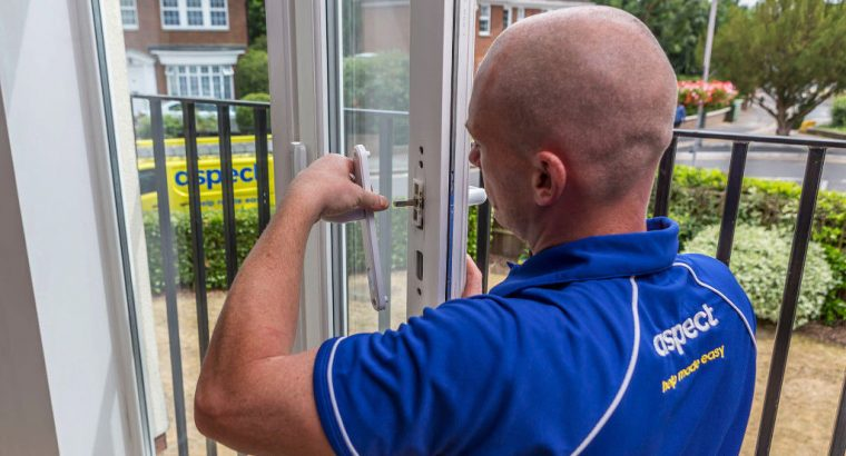 24 hours a day Tradesman on call to repair your windows and doors whenever you need us