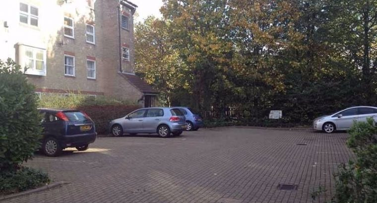 24/7 access Private parking space Kings Cross
