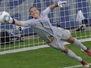 Ladies/womens/football/soccer/5/11 aside/team/club/player/female/trials/London GOALKEEPER WANTED