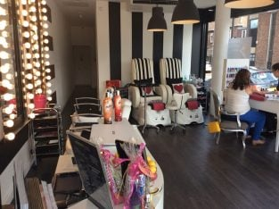 Leasehold Successful Beauty Salon & Clinic For Sale