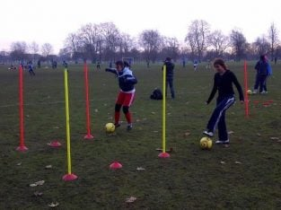 LONDON BEGINNERS ACADEMY FOR LADIES WOMENS FOOTBALL SOCCER/SOCIAL/FITNESS/MIDWEEK/FUN/FUTSAL/PLAYER