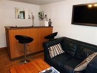 Freehold Exceptional Bedroomed Guest House In Winsford