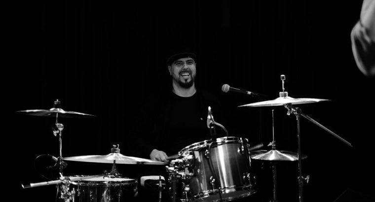 Available for gigs, studio sessions, live – Professional session drummer, percussionist, cajon player
