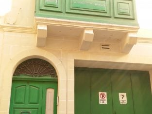MALTA – Sliema townhouse with garage (direct from owner)