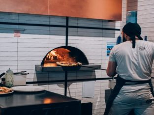 Commercial Pizza Oven That Suits Your Kitchen